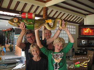 Geko Dive Bali Family Of Dutch Scuba Divers After Completion Padi Open Water Course 320px